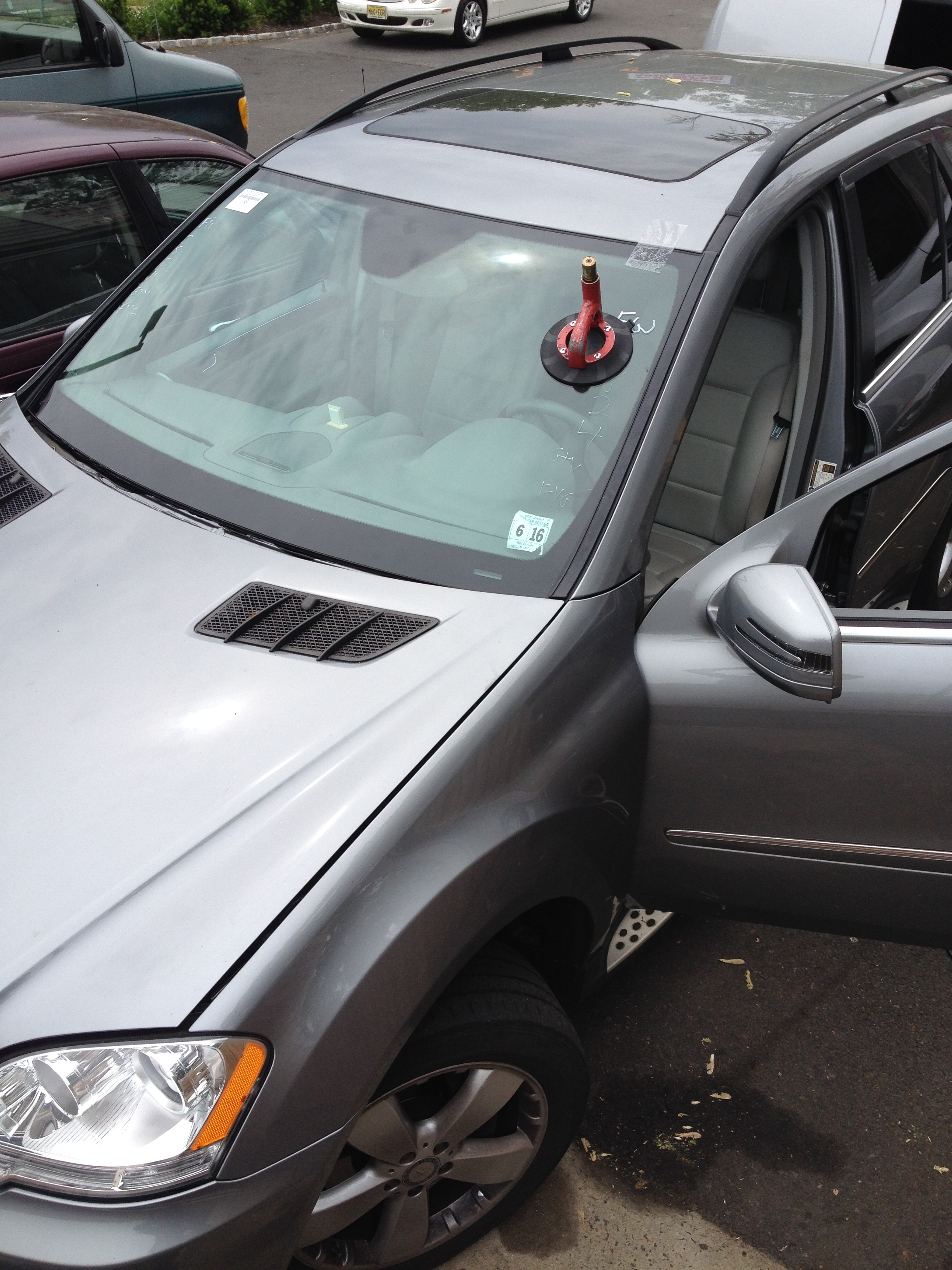2012 Mercedes Benz GL450 windshield replacement by Platinum Auto Glass NJ
