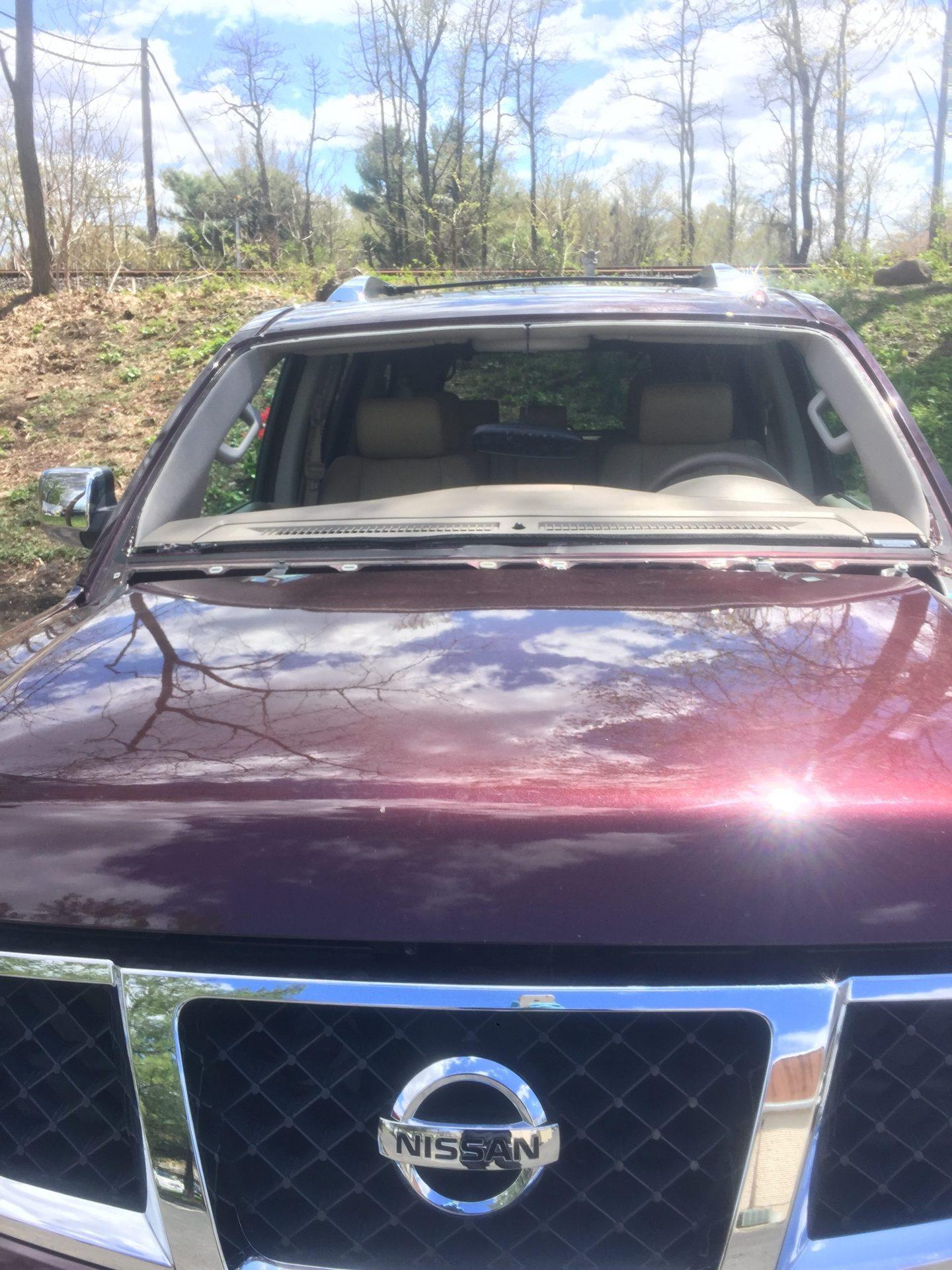 2014 Nissan Armada Front windshield cut done by platinumautoglassnj.com