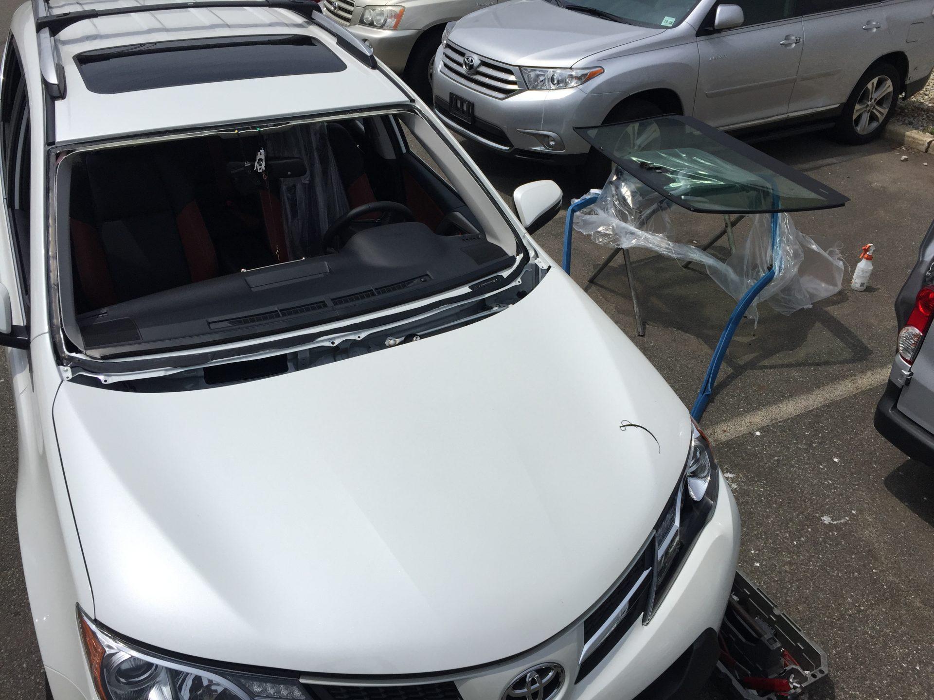 2018 Toyota Rav4 Windshield Replacement NJ Platinum Auto Glass NJ @732-993-6844@platinumautoglassnj