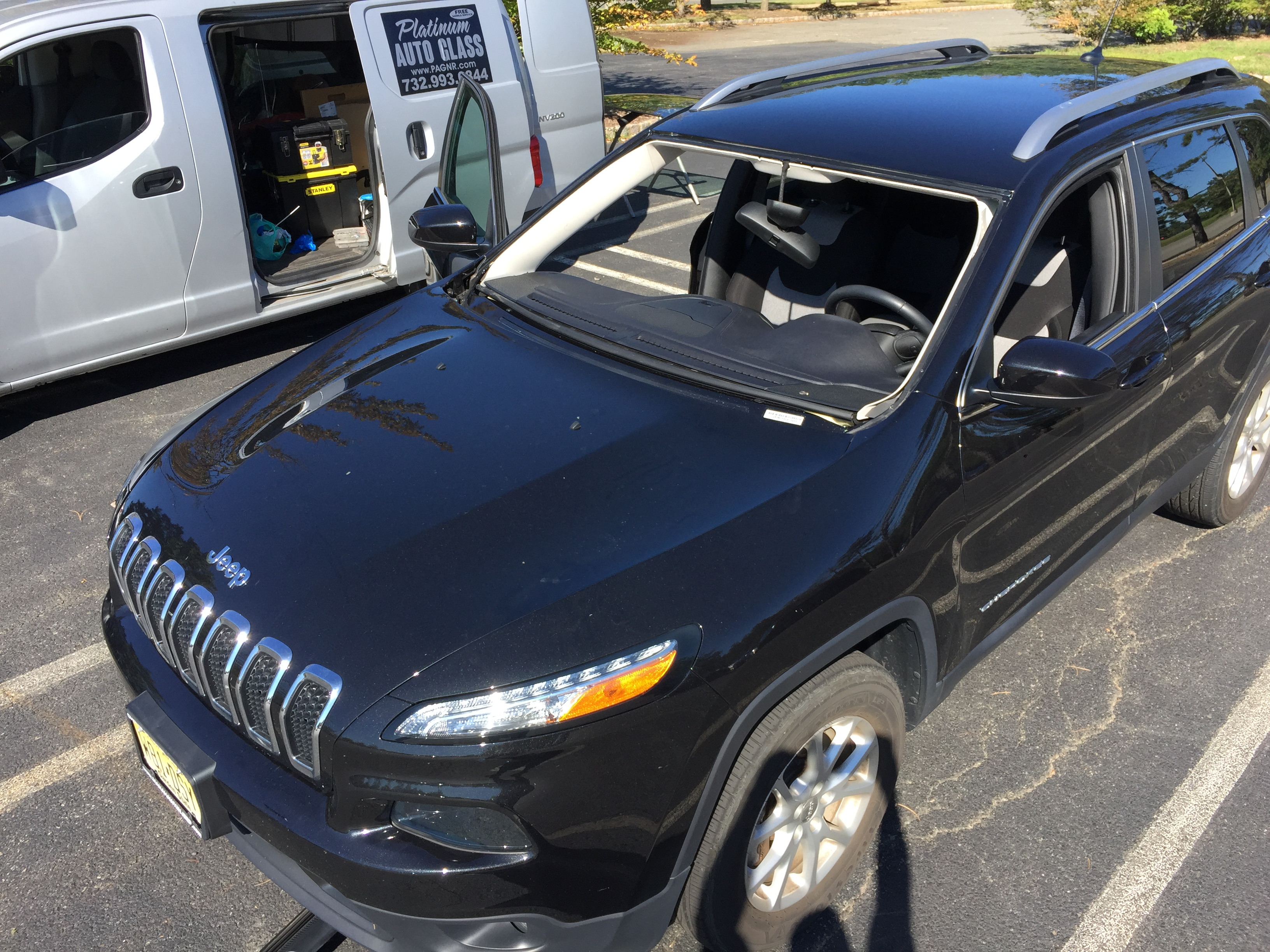 Before cut out 2017 Jeep Cherokee OEM Mopar Windshield Replacement Platinum Auto Glass Repair New Jersey  in Central New Jersey 07036platinumautoglassnj.com