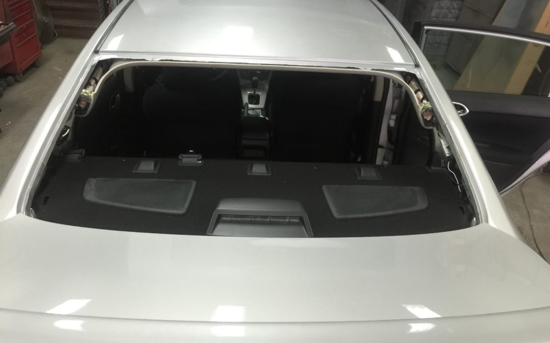 Back Window Glass Replacement in Rear Glass Repair
